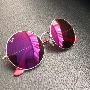 Fuschia circle ray bans! Lightly worn💘